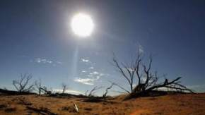 Near record temperatures in inland Australia